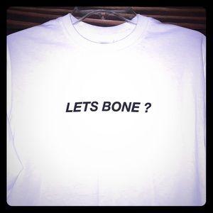 T-shirt 🦴